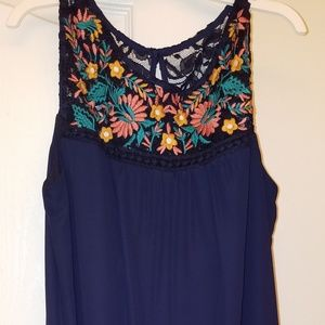 Dresses & Skirts - Navy dress with lace and applique accent